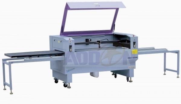 Découpe gravure laser avec plateau latéral d'approvisionnement